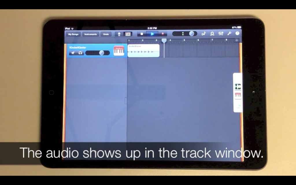 When you return to Garageband, the audio shows up un the edit window